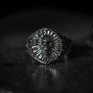 Bones Screaming Skull Ring - LG antiqued front