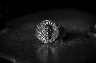 Angel Screaming Skull Ring LG antiqued Front